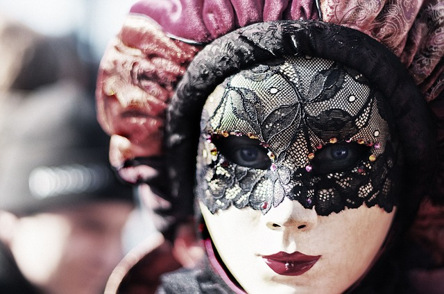 carnival-411494_640